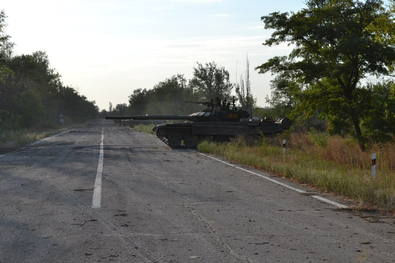 T-72B3 tank numbered 828. Archive / Original