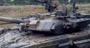 Tankspotting: T-90As in the Donbass