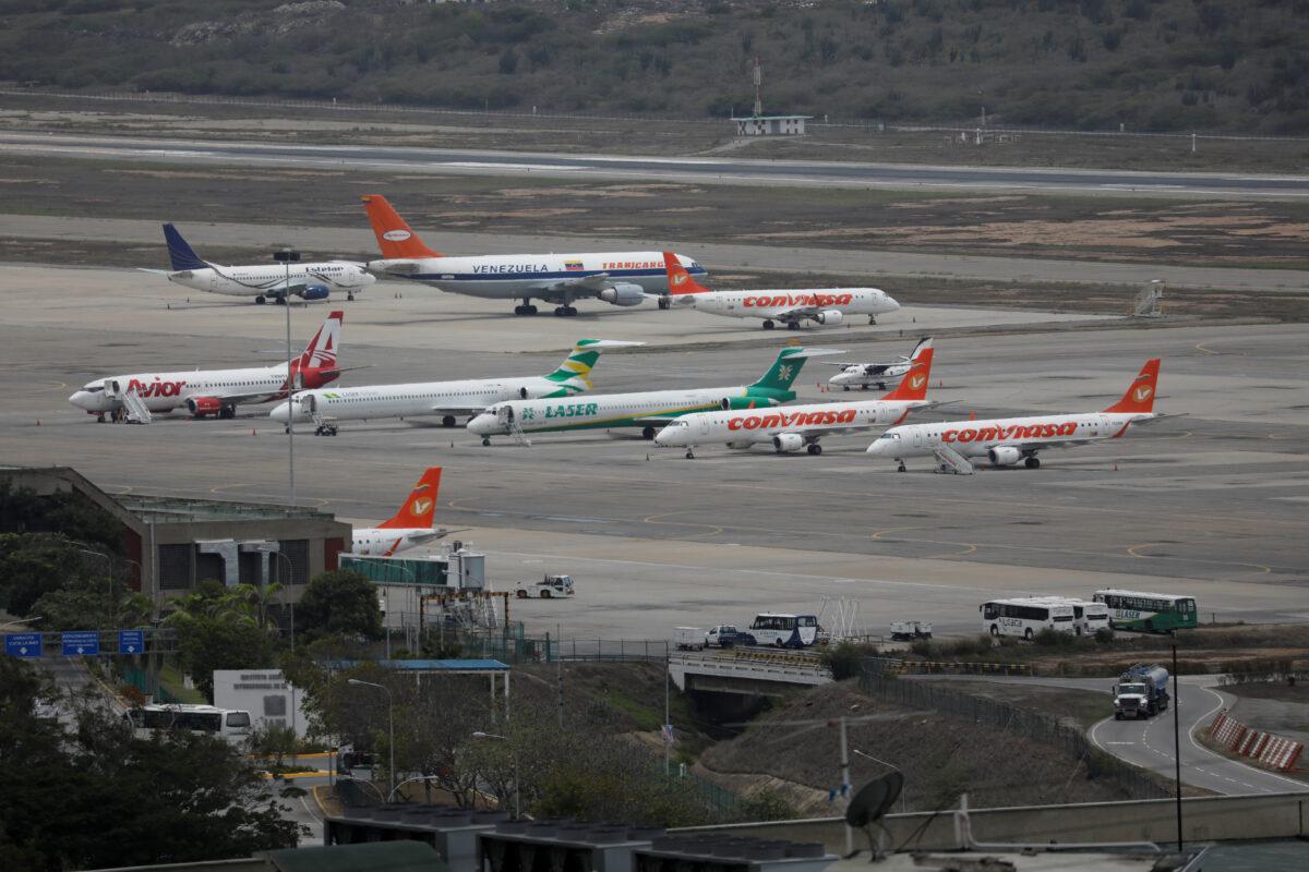 Launching an Open Source Aircraft Database for Venezuela