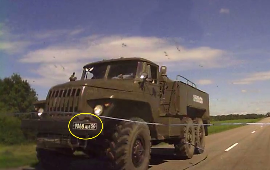 Truck in the convoy heading to Alexeyevka on the 24th of June (note: the timestamp on the video is wrong). [Source]